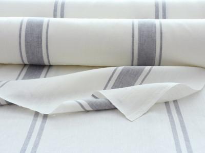 2017年夏にリリースしたMarine6・7は、すでに人気が高いカーテン用リネンファブリックです。