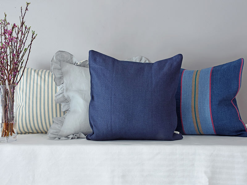 cushion-navy